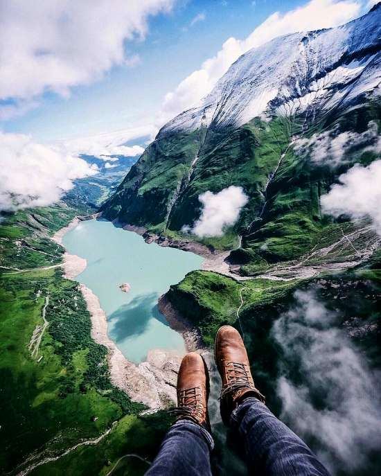 Картина по номерам 40x50 Вид на озеро с вершины горы